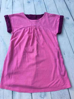 Mini Boden pink dress with purple lined pockets and sleeve age 2-3
